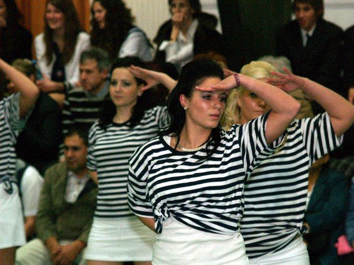 Tánciskola - Szalagavató tánc táncoktatás
