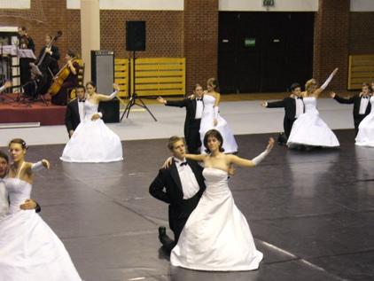 Bécsi keringő táncoktatás szalagavatóra