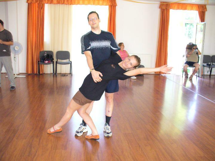 tánc és póz