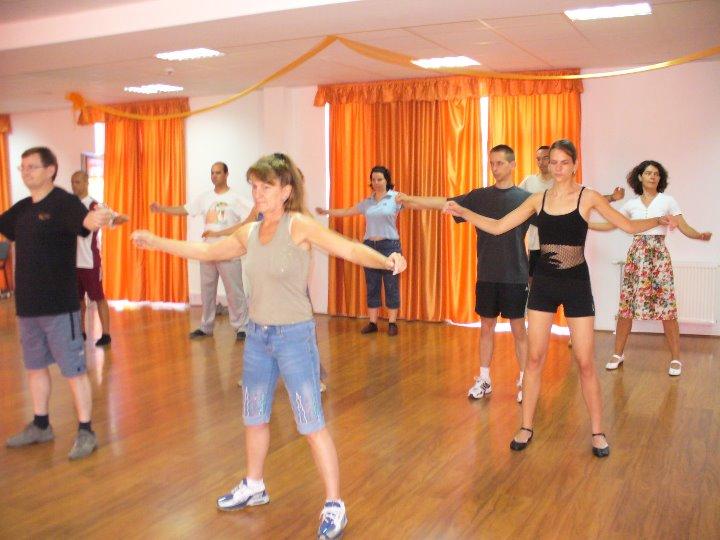 Izolációs gyakorlat táncóra közben