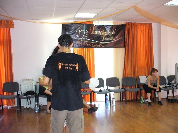 Táncoktatás közben
