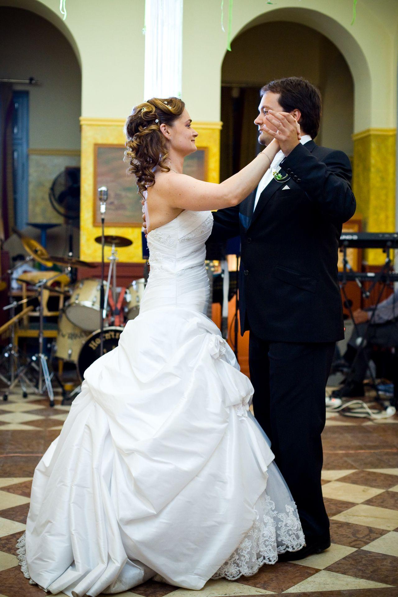 Nyitótánc az esküvőn