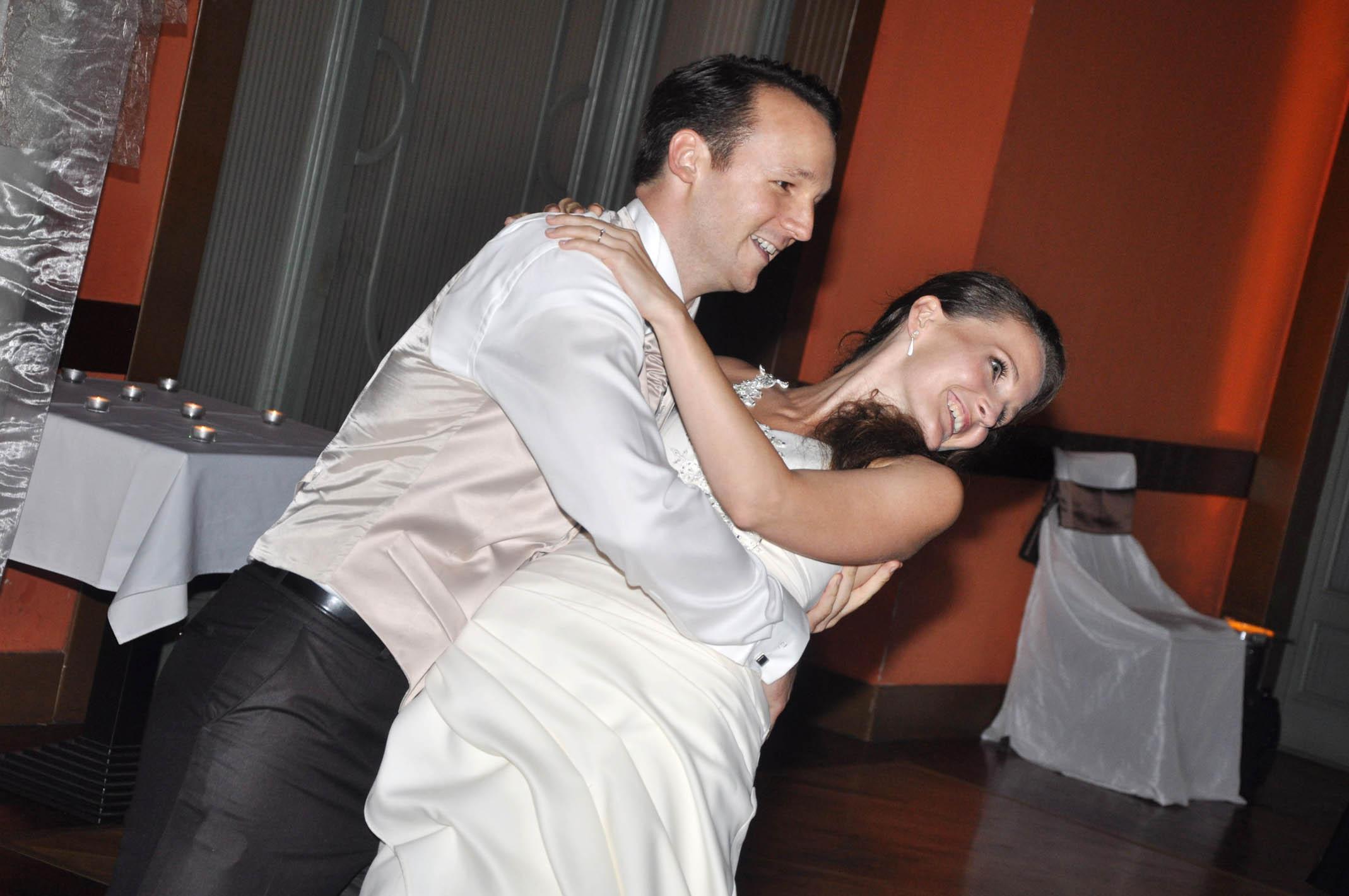 Esküvői tánc végpóz