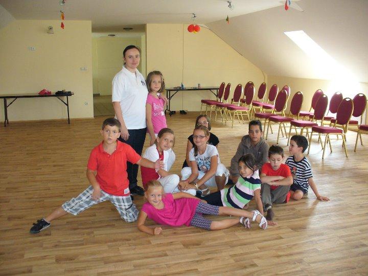 Csoportkép - gyerek tánctábor 2011 Páty