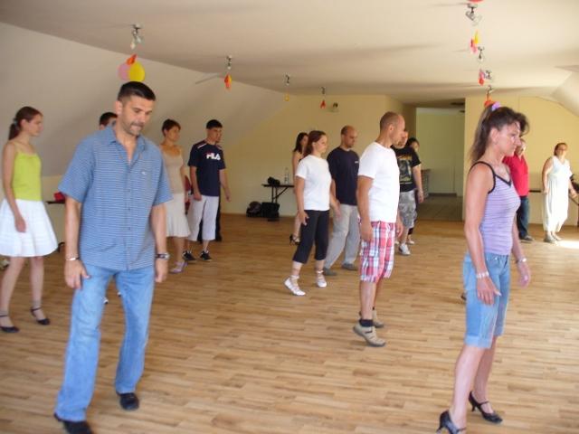 Angol keringő tánc hétvége bemelegítés