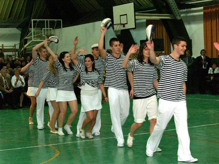 Matróztánc szalagavató - Tánciskola Tata