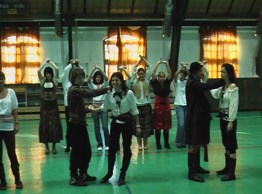 Szalagavató tánctanítás Tatán - Kalózok tánca 2008