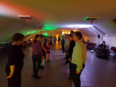 Táncos buli